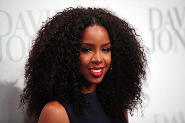 Kelly Rowland w/ curly hair