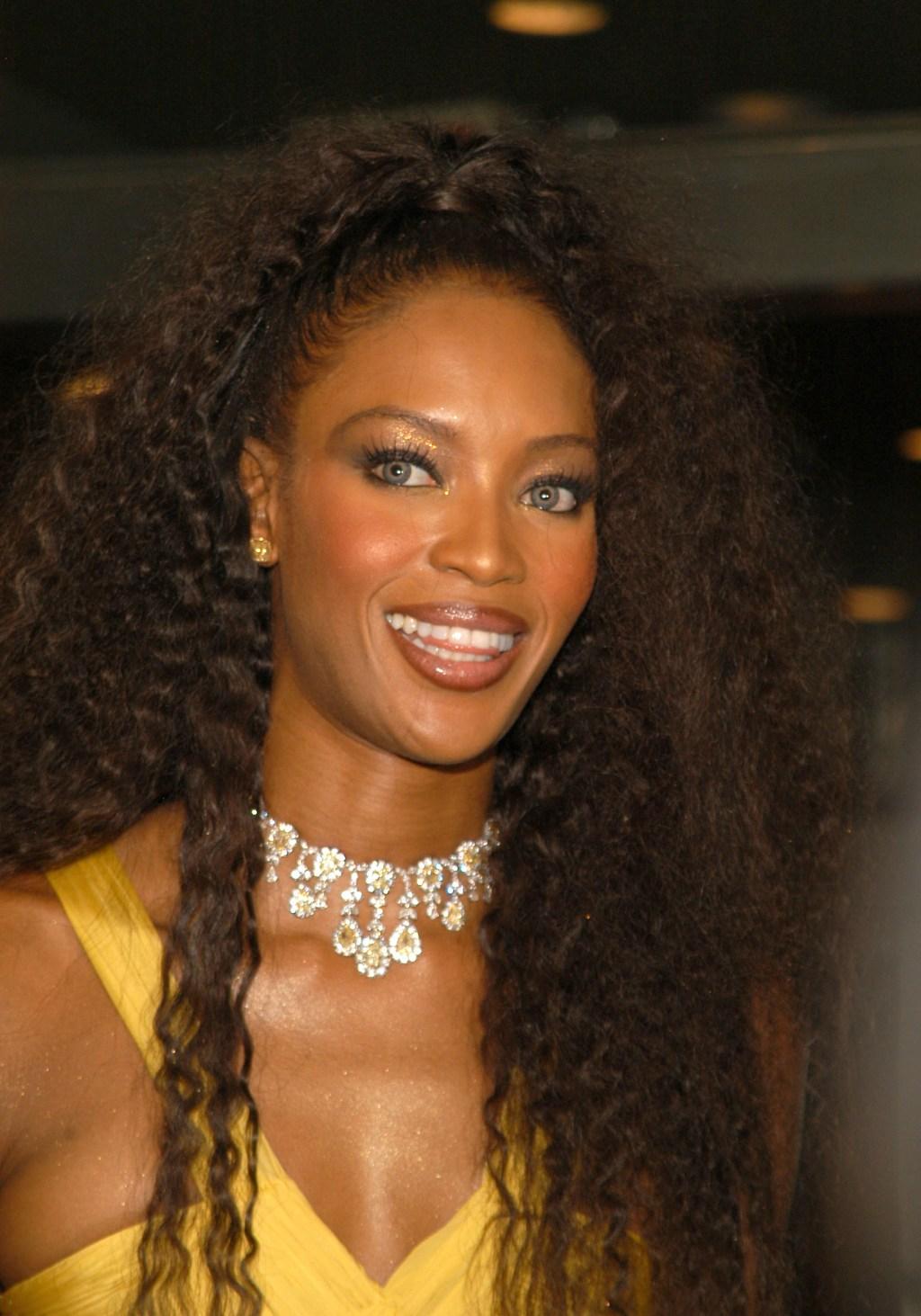 Naomi-Campbell-Kim-Kardashian-Crimped-Hair