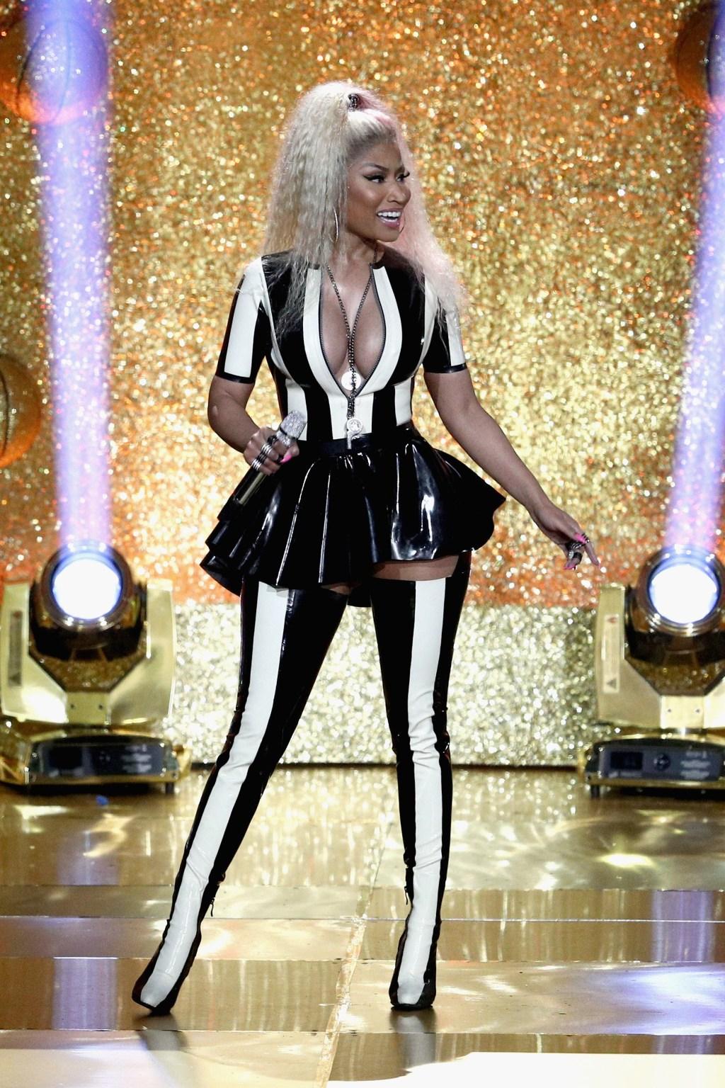 Nicki-Minaj-Kim-Crimped-Hair