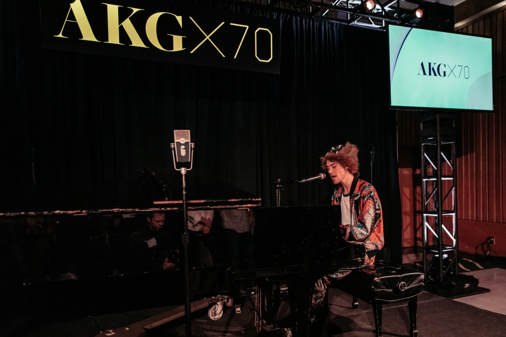 AKG_Jacob-Collier-Performs-1573745525